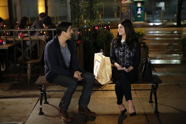 MARRY ME -- ''Pilot'' -- Pictured: (l-r) Ken Marino as Jake, Casey Wilson as Annie -- (Photo by: Greg Gaynes/NBC)