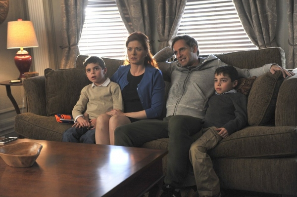 THE MYSTERIES OF LAURA -- ''Pilot'' -- Pictured: (l-r) Charlie Reina as Harrison Diamond, Debra Messing as Laura Diamond, Josh Lucas as Jake Broderick, Vincent Reina as Nicholas Diamond -- (Photo by: Jessica Burstein/NBC)
