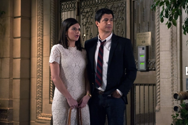 MARRY ME -- ''Pilot'' -- Pictured: (l-r) Casey Wilson as Annie, Ken Marino as Jake -- (Photo by: Colleen Hayes/NBC)