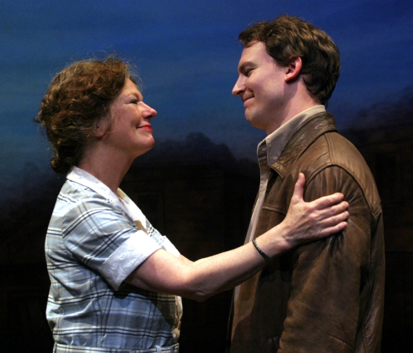 Photo Flash: First Look at Peccadillo's A LOSS OF ROSES, Opening Tonight
