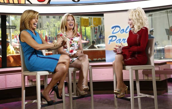 TODAY -- Pictured: (l-r) Hoda Kotb, Kathie Lee Gifford and Dolly Parton appear on NBC News'' ''Today'' show -- (Photo by: Peter Kramer/NBC)