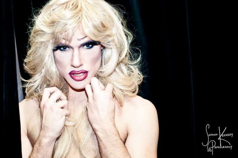 BWW Reviews: Lower Ossington Theater's HEDWIG AND THE ANGRY INCH is Loud, Electric, and Shocking