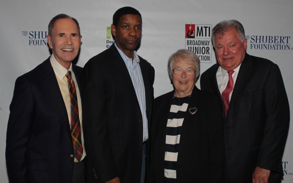 Freddie Gershon, Denzel Washington, Carmen Fariña and Robert E. Wankel