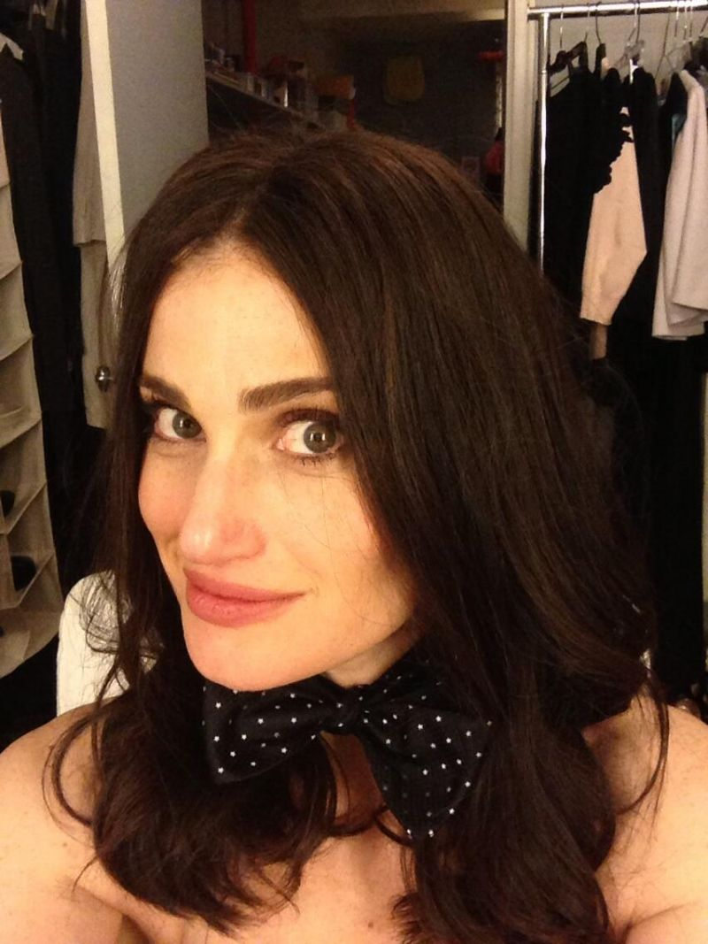 Twitter Watch: Idina Menzel Sports Jesse Tyler Ferguson Bow Tie For Marriage Equality