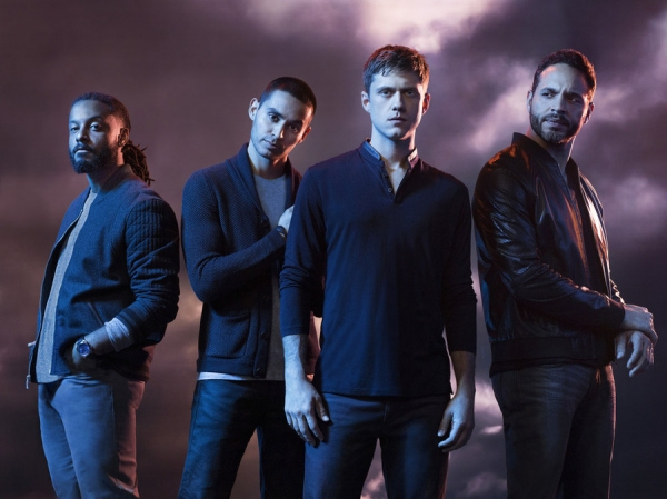 Photo Flash: First Look - Aaron Tveit Returns in GRACELAND - Season 2