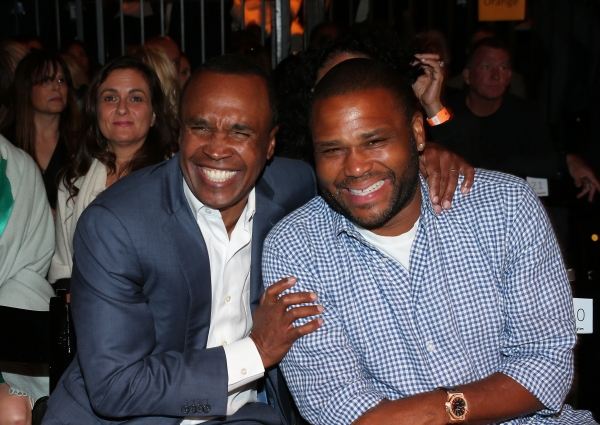 Former professional boxer Sugar Ray Leonard (L) and Anthony Anderson