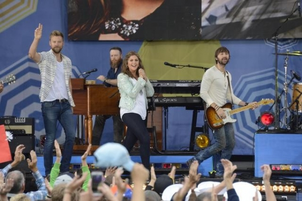 Photo Flash: Lady Antebellum Kicks Off GMA's Summer Concert Series!