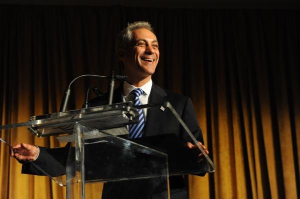 Chicago Mayor Rahm Emanuel introduces Mikhail Baryshikov