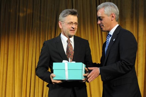 Chicago Mayor Rahm Emanuel presents Mikhail Baryshikov with Hubbard Street's Spotlight Award