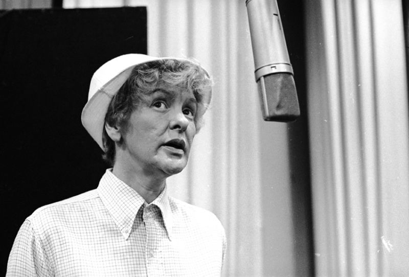 THEATRICAL THROWBACK THURSDAY: Elaine Stritch Gets Juicy