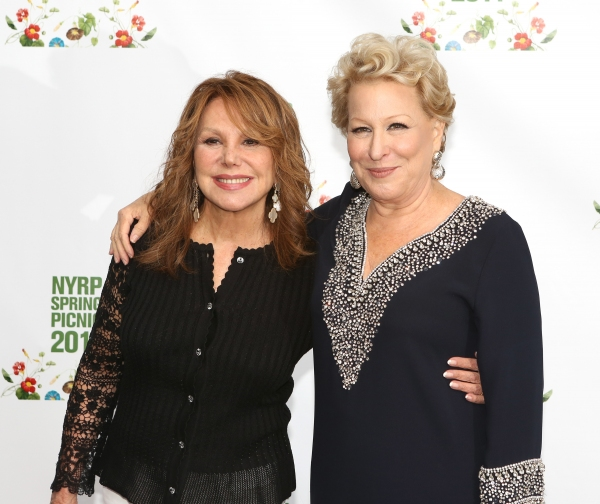 Marlo Thomas and Bette Midler