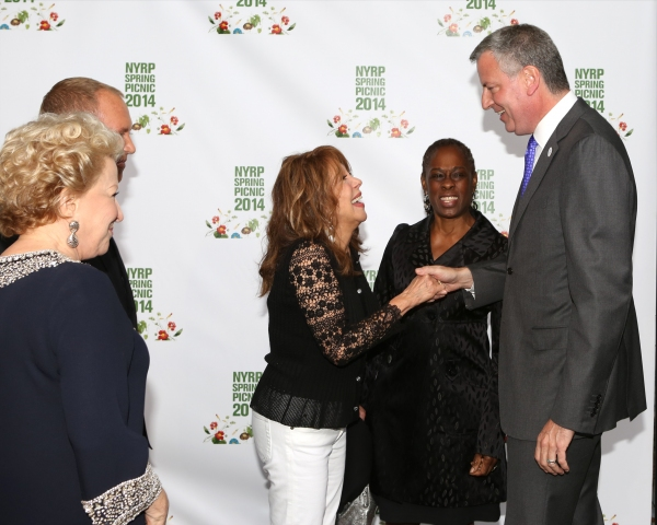 Bette Midler, Michael Kors, Marlo Thomas, Chirlane McGray and Mayor Bill de Blasio
