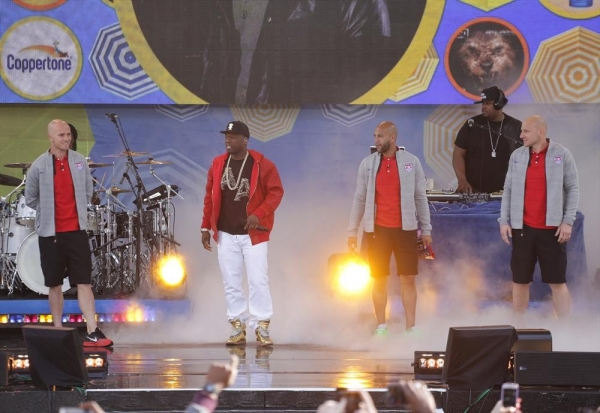 Photo Flash: 50 Cent Performs on GMA's Summer Concert Series