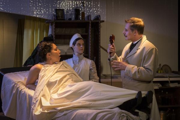 Lia Seltzer as Sabrina Daldry, Vanessa Strickland as Annie, and Reiner Prochaska as Dr. Givings