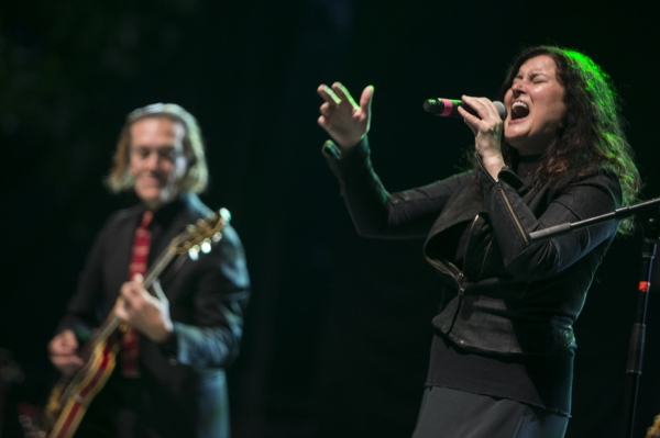 Ge Smith and Paula Cole by Durst Breneiser