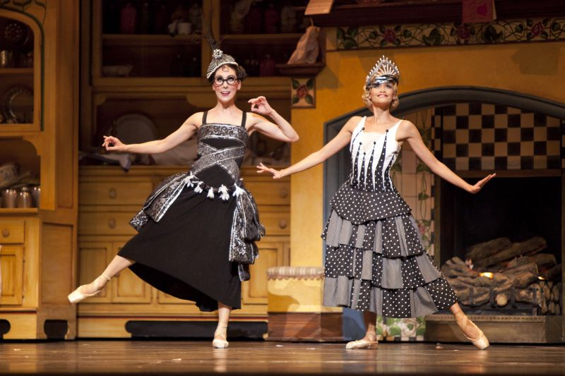 BWW Reviews: 'Cinderella' Dazzles With Beauty