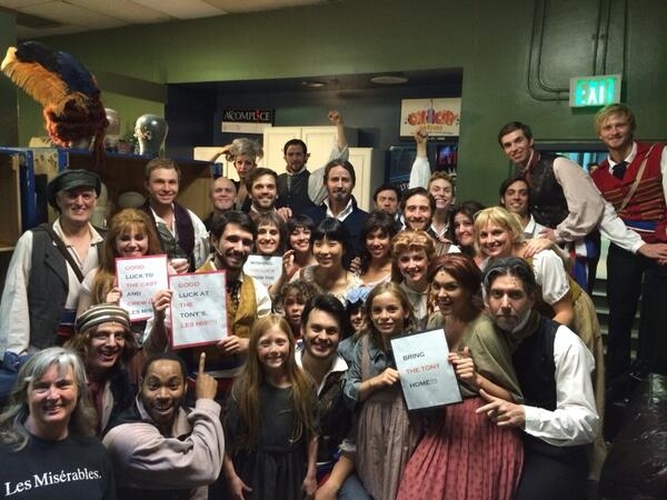 Photo Flash: Saturday Intermission Pics, 6/7 - Part 2 - Tonys Fever Spreads!