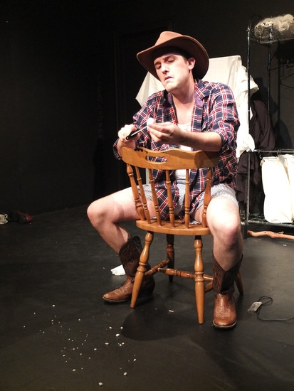 BWW Reviews: Kristopher Lee Bicknell Gives a Tour-de-Force Performance in DRAMATIS PERSONAE at Fringe