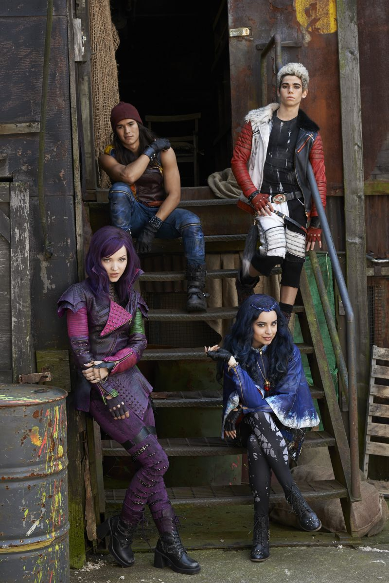 Photo: First Look at Cast of Disney Channel's DESCENDANTS