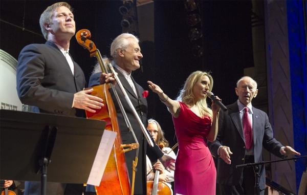 Ruslan Biryukov, Frank Fetta, Sharon Farber and Curt Lowens  at An International Even Photo
