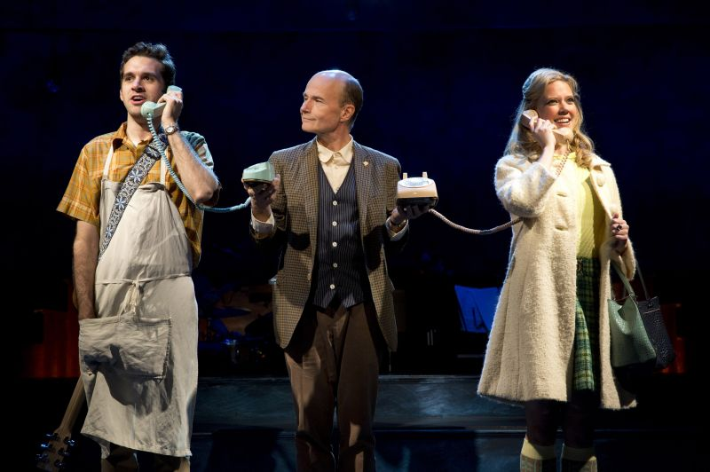 BWW Reviews:  FLY BY NIGHT Wears Its Romantic Youthful Hopefulness On Its Sleeve