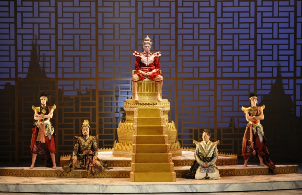 Photo Flash: First Look at Théâtre du Châtelet's THE KING AND I