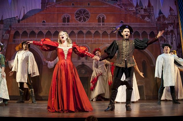 Photo Flash: First Look at Elizabeth Stanley, Paul Anthony Stewart & More in Barrington Stage Company's KISS ME KATE