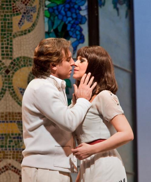 Roberto Alagna as Ruggero and Angela Gheorghiu as Magda