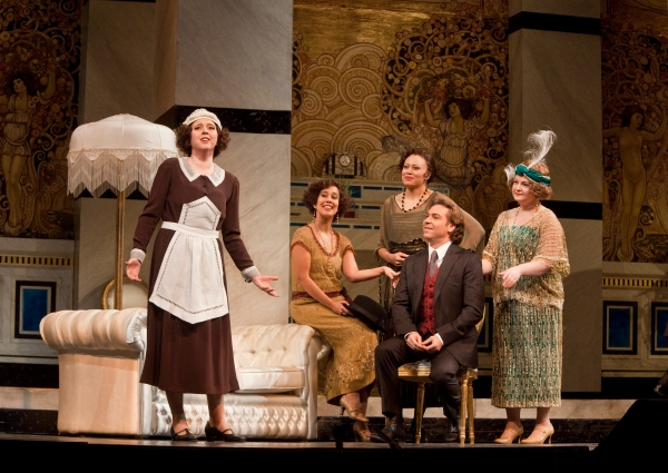 Lisette Oropesa as Lisette, Monica Yunus as Yvette, Alyson Cambridge as Bianca, Roberto Alagna as Ruggero, Elizabeth DeShong as Suzy