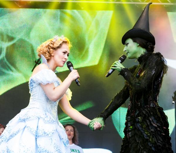 The Cast of Wicked Savannah Stevenson & Willemijn Verkaik