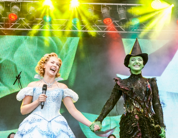 The Cast of Wicked Savannah Stevenson & Willemijn Verkaik