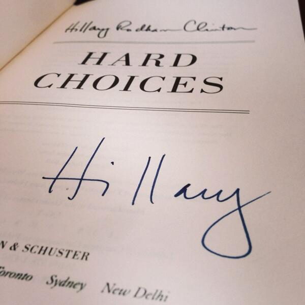 VIDEO: Which GLEE Star Surprised Hillary Clinton at Her Book Signing?