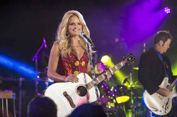 Photo Flash: Miranda Lambert, Lionel Richie Rehearse for MACY'S FIREWORKS SPECTACULAR on NBC