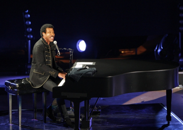 MACY''S FOURTH OF JULY FIREWORKS SPECTACULAR -- Event -- Pictured: Lionel Richie rehearses for the ''Macy''s Fourth of July Fireworks Spectacular''  -- (Photo by: Jason Bahr/NBC)