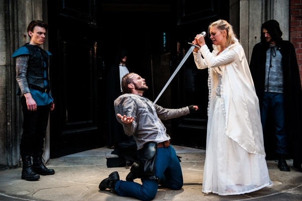 Mark Hawkins as Catesby, David Hywel Baynes as Richard, Duke of Gloucester & Anne-Marie Piazza as Lady Anne