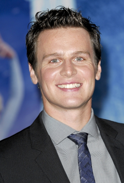 Jonathan Groff Discusses Coming Out At Gay Pride 2014