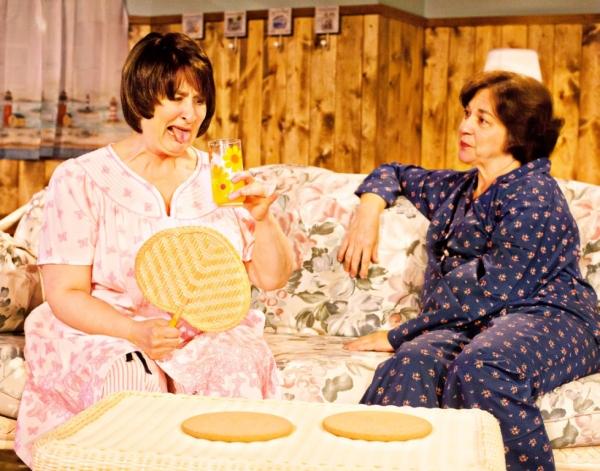 Jacqueline Jones as Jeri Neal and Jody Strickler as Dinah