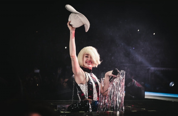 Photo Flash: First Look - MILEY CYRUS Bangerz Tour Comes to NBC