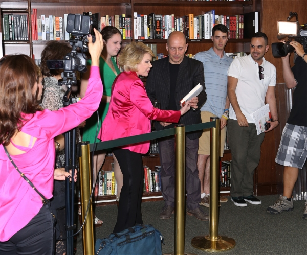 Photo Coverage: Joan Rivers Signs Copies of 'Diary of a Mad Diva'