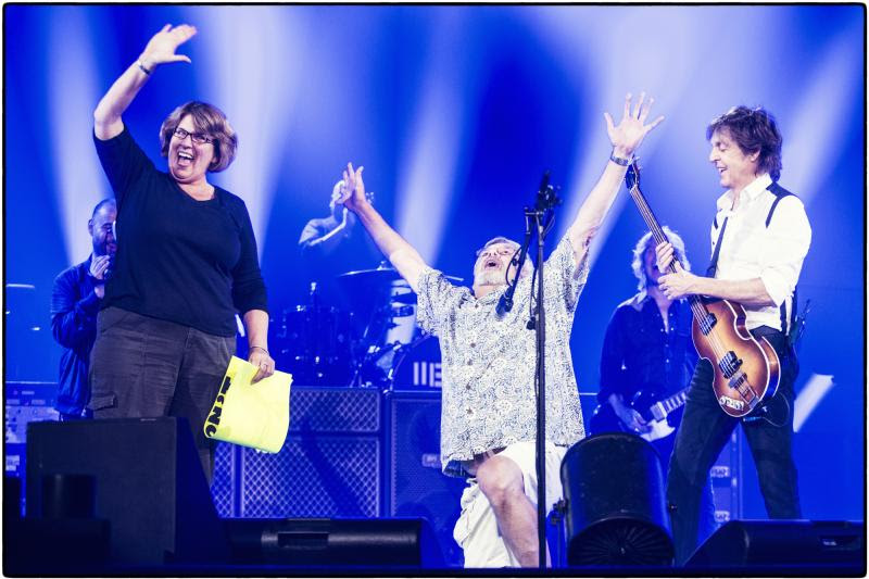 VIDEO: All You Need is Love - Paul McCartney Helps Couple Get Engaged at Concert!