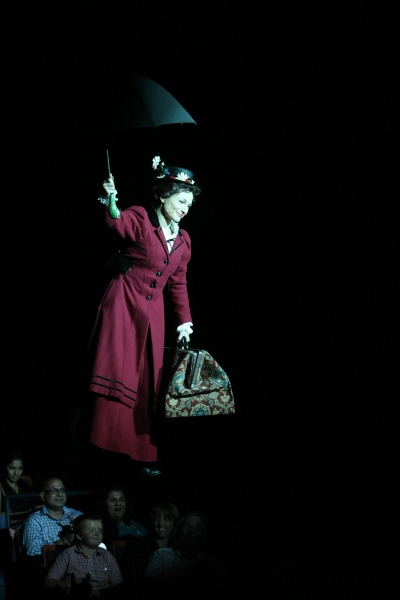 Photo Flash: First Look at Robert Creighton, Kelly McCormick and More in MARY POPPINS at Music Circus