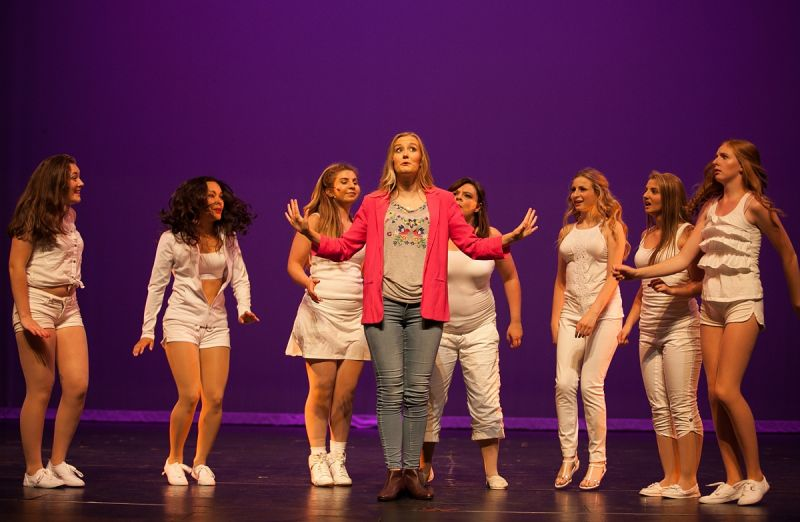 BWW Reviews: Wavestage's LEGALLY BLONDE THE MUSICAL
