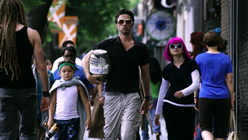 BWW Reviews: Zach Braff's WISH I WAS HERE is Cliche, Snuggles Into Your Heart; Opens Today in NY, LA