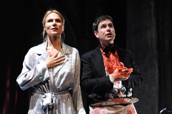 Pamela J. Gray as Gertrude and David Barlow as Hamlet Photo