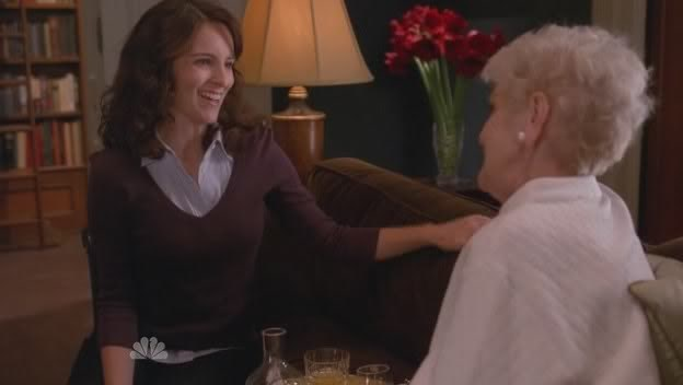 30 ROCK's Tina Fey Pays Tribute to Elaine Stritch: 'She Was a Tough Old Bird'