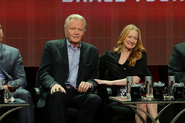 Jon Voight and Paula Malcomson