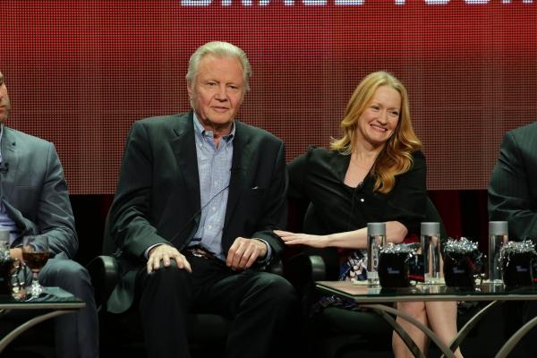 Jon Voight and Paula Malcomson