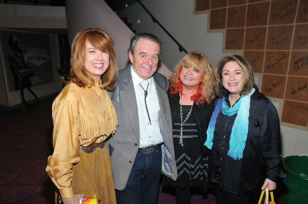Lee Purcell, Jerry Mathers, Sally Struthers, and Donna Pescow Photo