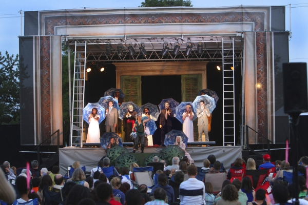 The sun sets on the cast of the Chicago Shakespeare in the Parks production of William Shakespeareâï�¿½ï�¿½s A MIDSUMMER NIGHTâï�¿½ï�¿½S DREAM