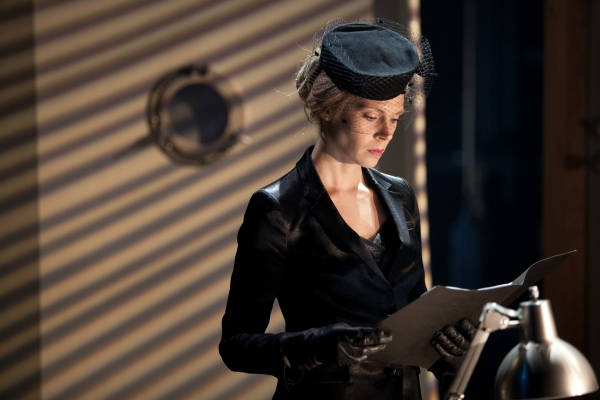 Photo Flash: First Look at Kyra Sedgwick & More in Powerhouse's THE DANISH WIDOW